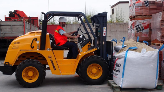 Uromac-4wd-forklift