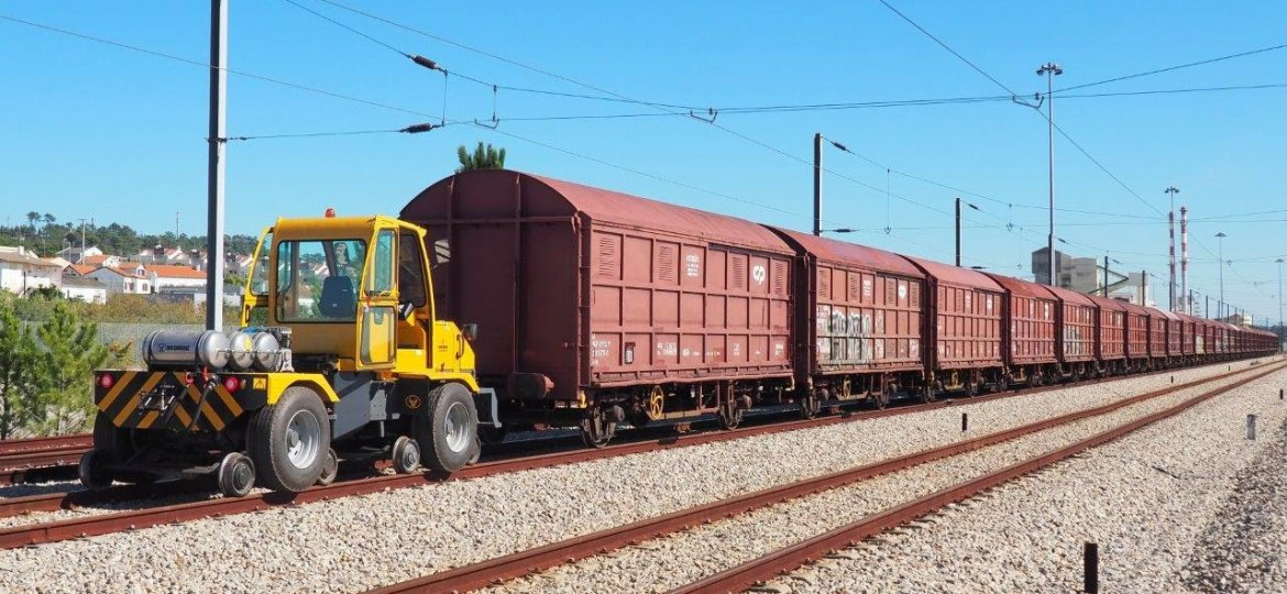 LACERTIS-LOKO-14-ROAD-RAIL SHUNTER